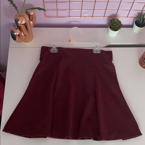 Old Navy Dresses & Skirts - Maroon mini skirt